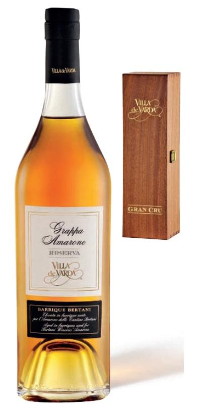 Grappa Riserva Amarone Gran Cru Bertani Villa de Varda 0,7L 40% Vol. v dřevěné krabičce